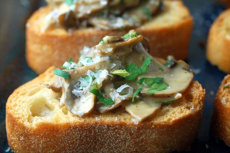 Mushroom crostini 1