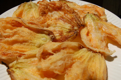 Jun_18_zucchini_blossoms