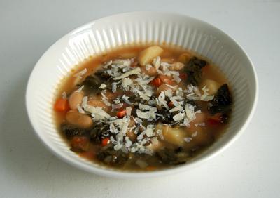 Tuscan_kale_soup_1