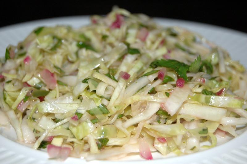 http://kitchenography.typepad.com/photos/uncategorized/jun_2_coleslaw.jpg